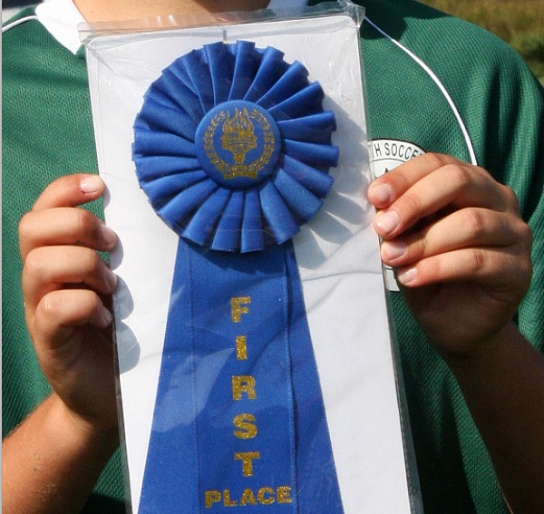 Blue Ribbon Pie contest winner