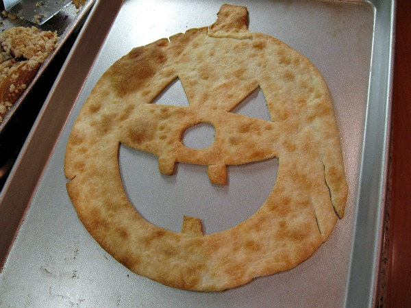 jack o lantern made out of pie crust