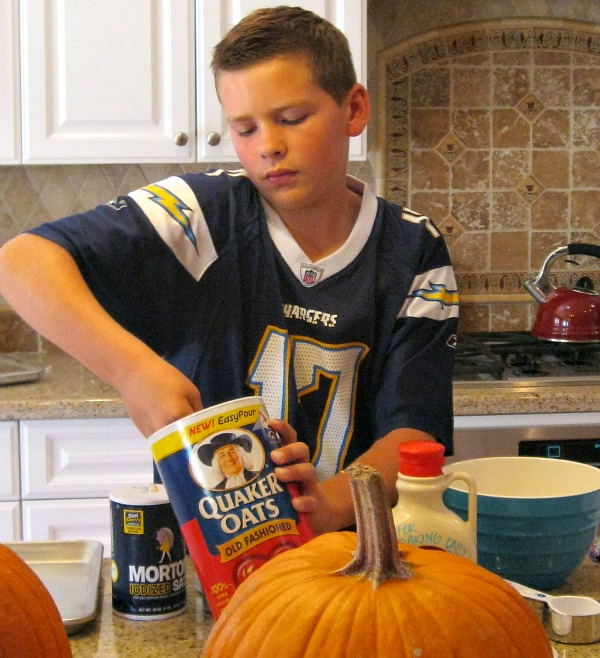 RecipeBoy making Pumpkin Granola