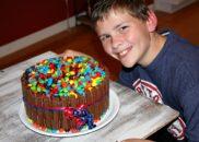 Kit Kat Cake 6