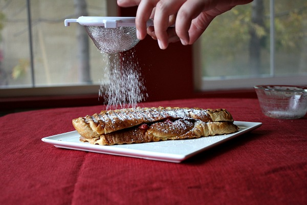 Powdered Sugar on Strawberry Nutella Panini