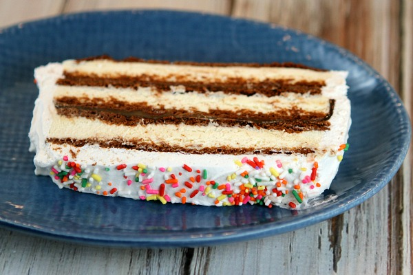 Ice Cream Sandwich Cake recipe - from RecipeBoy.com