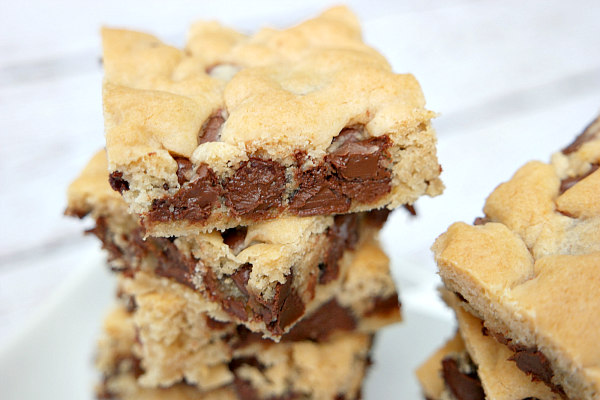 These chocolate chip cookie bars look fantastic, don't they?! Just ...