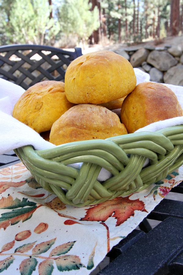 Pumpkin Dinner Rolls Recipe - RecipeBoy.com