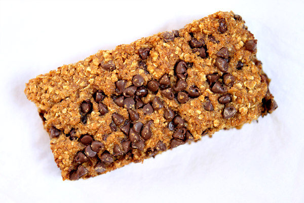 Chocolate Chip Granola Bars | RecipeBoy