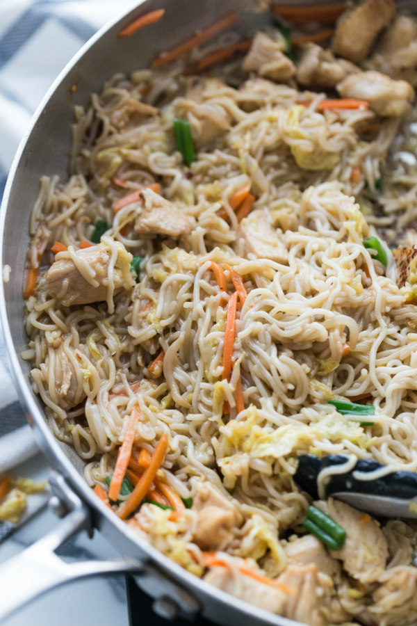 Easy Chicken Chow Mein in the pan