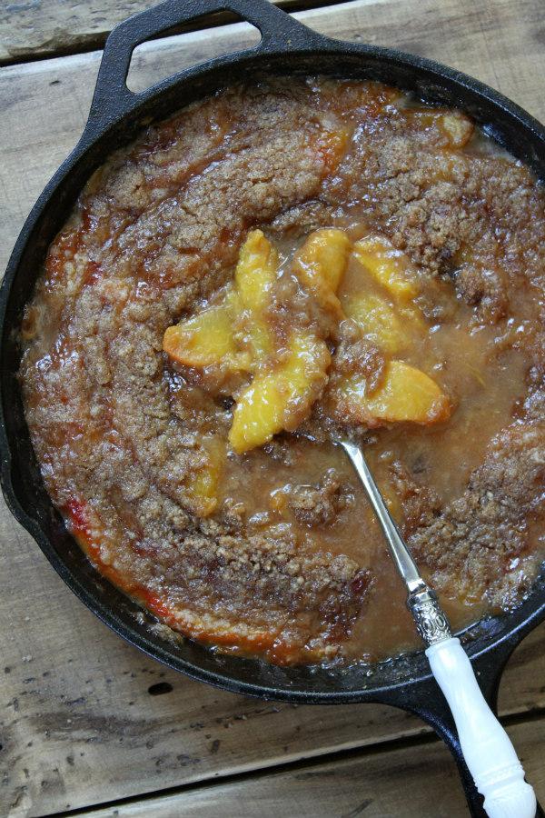 Georgia Peach Crisp - recipe from RecipeBoy.com