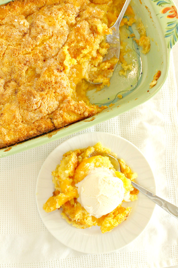 3 Ingredient Peach Cobbler with ice cream
