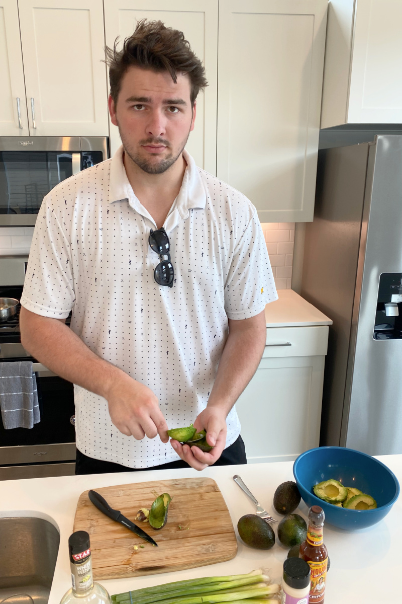 recipeboy cutting open avocados